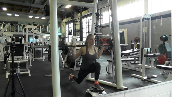 Smith Machine Front Foot Elevated Reverse Lunge
